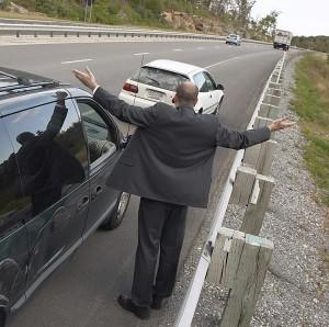 Was ist, wenn sich am Unfallort keine weiteren Personen befinden?